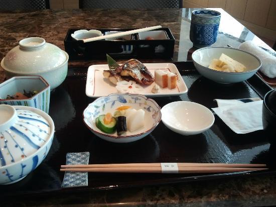 โรงแรมโอกุระ เพรสทีจ กรุงเทพ: Japanese Set breakfast