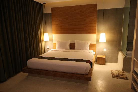 Mito Hotel: Kingsize Bed in VIP Room