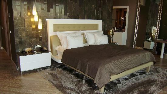 Maxx Royal Belek Golf Resort: huge comfy bed