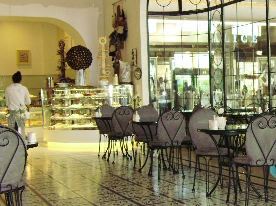 Maxx Royal Belek Golf Resort: Patisserie