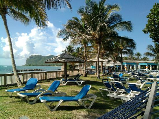 Coconut Bay Beach Resort & Spa: View of beach from grounds