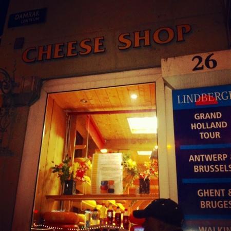 Rotlichtviertel Walletjes: Send up the fromage du belle France stout yeoman!