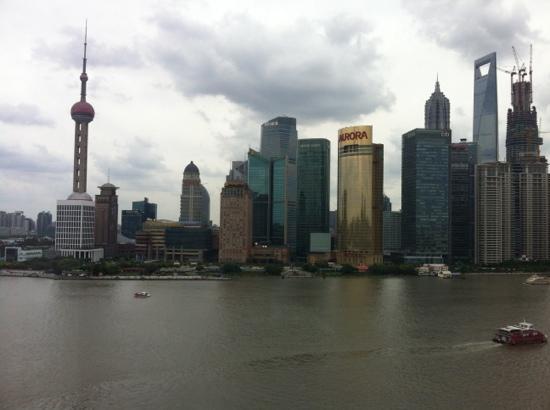 Les Suites Orient, Bund Shanghai : Blick bei Tag