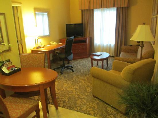 Homewood Suites by Hilton Asheville- Tunnel Road: Living Room