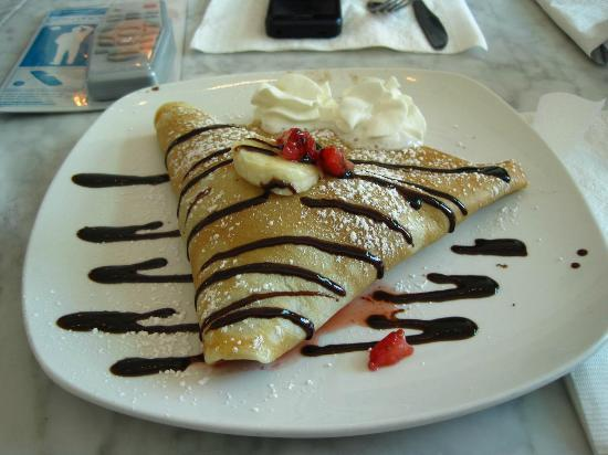Sweet Paris Creperie: Nutella with strawberries and banana