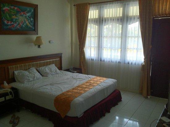 Pulau Bangka, Indonesia: ビーチフロントのベッドルーム