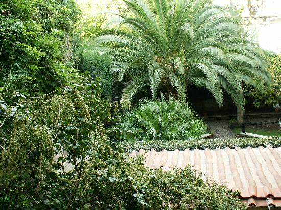 Locanda Sant'Agostino Maison de Charme: B&B garden