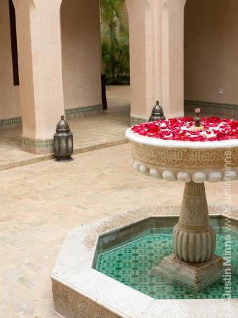 Riad Kniza: The main courtyard