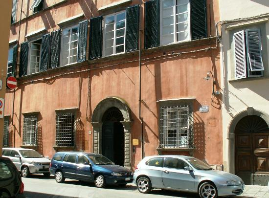 Locanda Sant'Agostino: B&B entrance