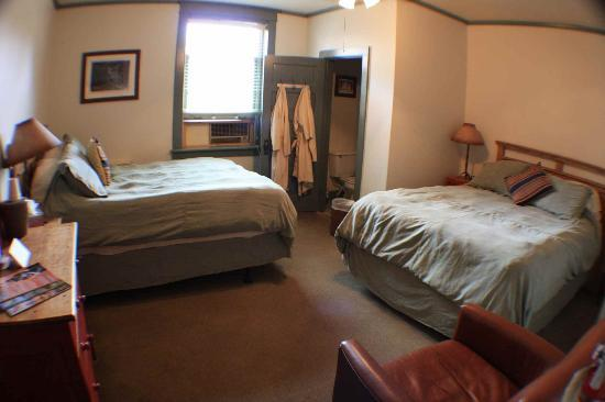 Ojo Caliente Mineral Springs Resort and Spa: Hotel room