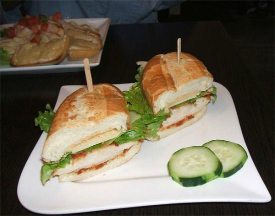 Cafe l'Infusion: Luncheon sandwich at caré l'Infusion Lachute