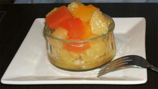 Cafe l'Infusion: Fresh fruit salad served with the daily lunch special