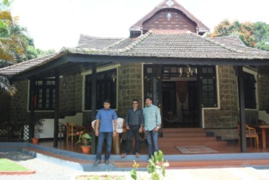 KTDC Lake Palace Thekkady: LP