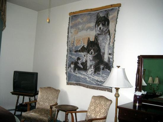 The Wyman Hotel: Wolf room