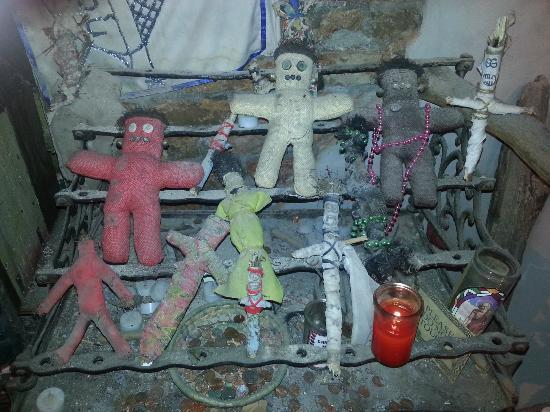 New Orleans Historic Voodoo Museum: Voodoo Dolls