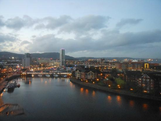Hilton Belfast: Belfast at dusk