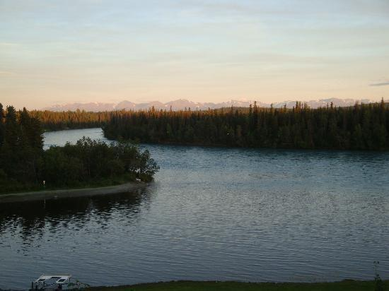 Great Alaska Adventure Lodge: View from lodge deck - conflluence of Moose & Kenai Rivers