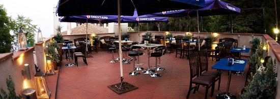 Molly's Pub: terrazza