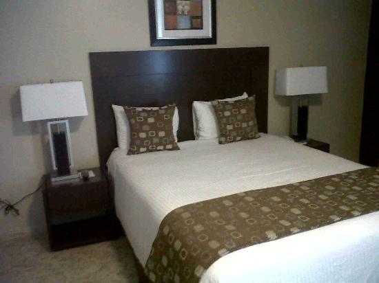 Sevilla Suites Apart-Hotel: foto de la habitación con la nueva decoración