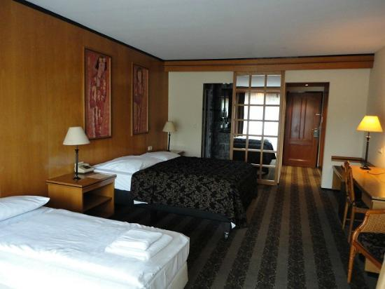 Van der Valk Hotel: Unser Zimmer von der Terasse aus