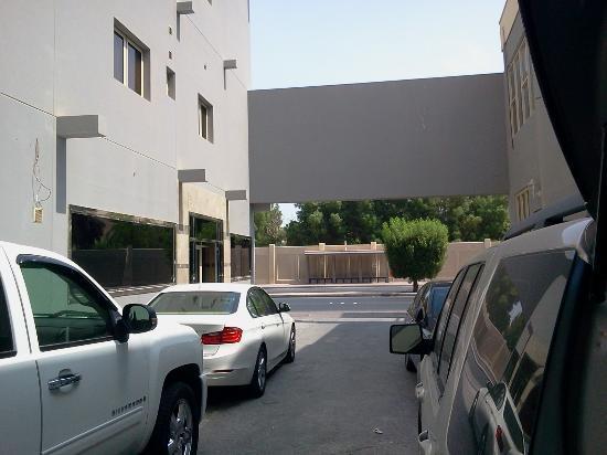Hotel Sea Shell: parking