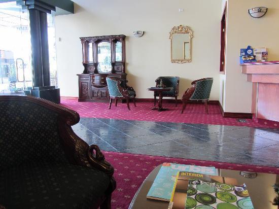VR Hamilton Hotel: Hotel Lobby