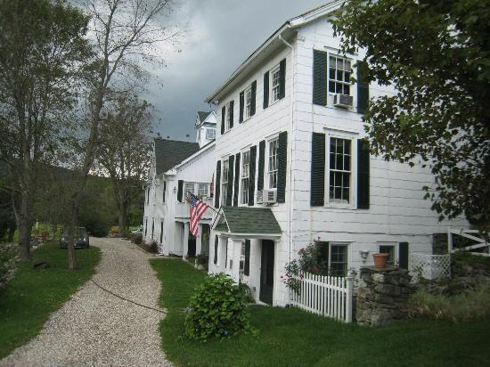 Inn at Stony Creek: The back showing the private entrance to American suite