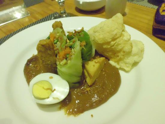 Taum Resort Bali: Never before I saw 'gado-gado' styled this way