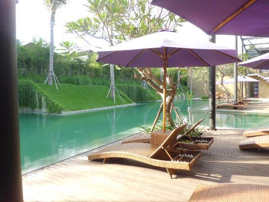 Taum Resort Bali: Not the common blue pool