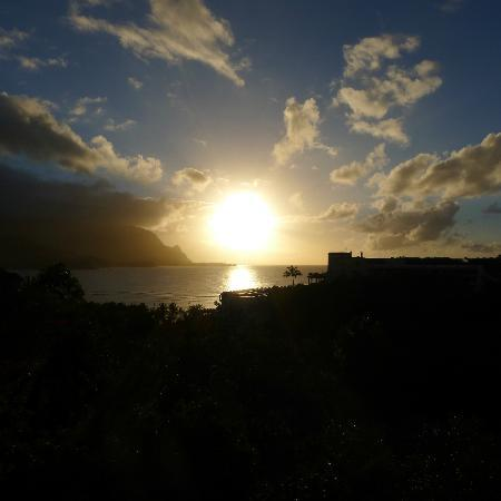 Hanalei Bay Resort: sunset from the lanai