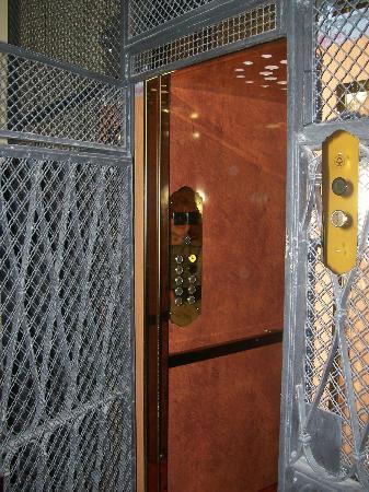 Locanda Del Fante: Hermoso ascensor