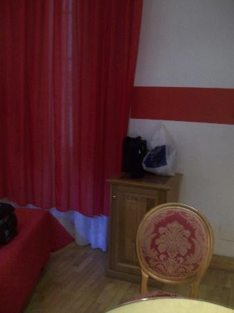 Locanda Del Fante: Mueble con Heladera