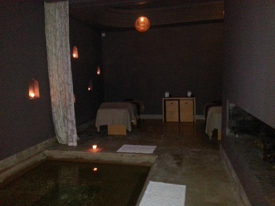 Palais Namaskar: Couples Cabana