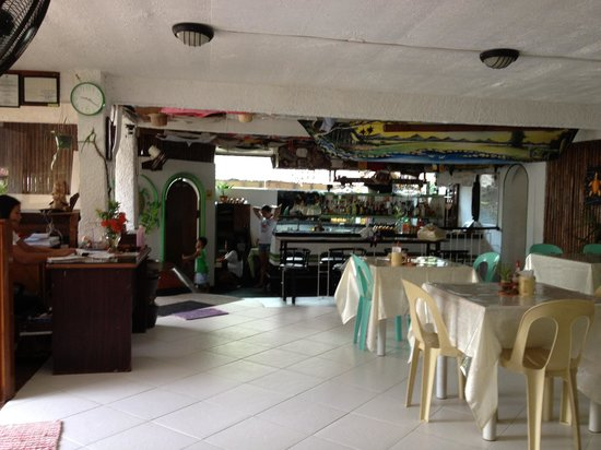 Turtle Inn Resort: Breakfast / bar area