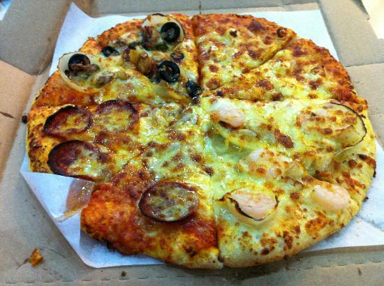 Yellow Cab Pizza: Pizza with 4 flavor