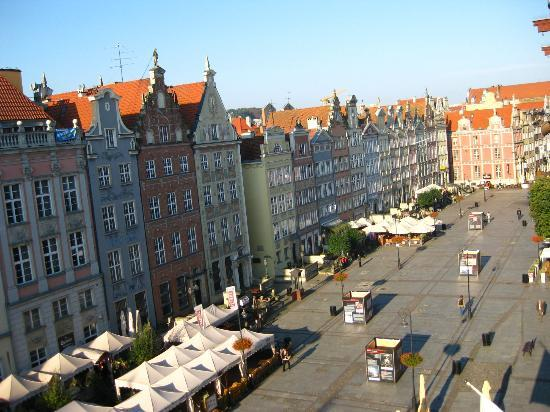 Holland House Residence Old Town : View to the west, Długi Targ