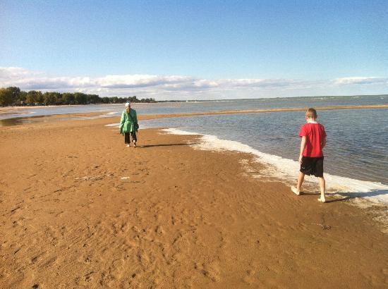 Bay City State Recreation Area : more beach with a bit of foam