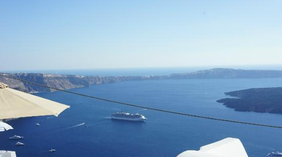 Irida Santorini: view on the caldera