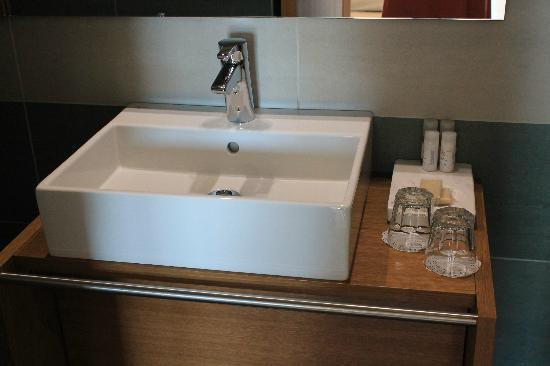 A for Athens: Great sink and bathroom fixture... very clean.