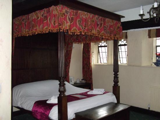 George and Pilgrims Hotel: Henry VIII Room