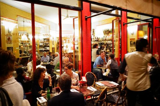 busy restaurant photo de le comptoir paris tripadvisor. Black Bedroom Furniture Sets. Home Design Ideas