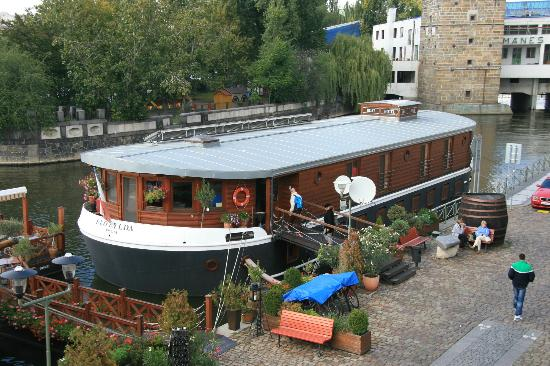 Botel Matylda: Boat Hotel in Prague