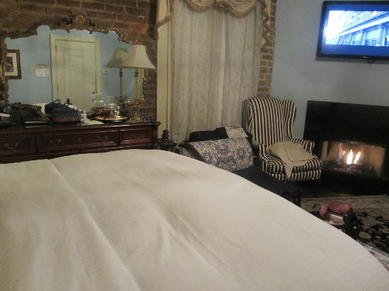 The Vendue Charleston's Art Hotel : Room