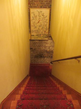 The Vendue Charleston's Art Hotel : Hallway to room