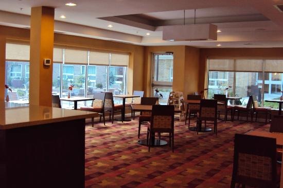 TownePlace Suites Mississauga-Airport Corporate Centre: Breakfast Room
