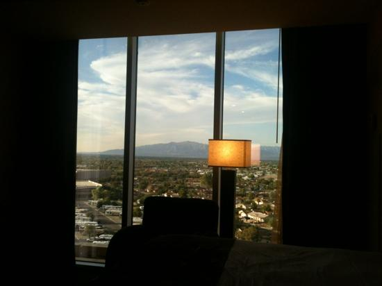 Eastside Cannery Casino & Hotel: awesome views to wake to