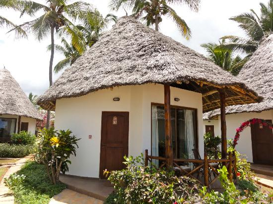 Sultan Sands Island Resort: beach room