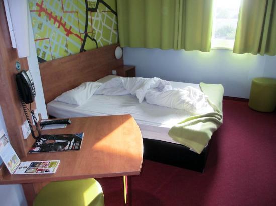 B&B Hotel Mannheim: Bed