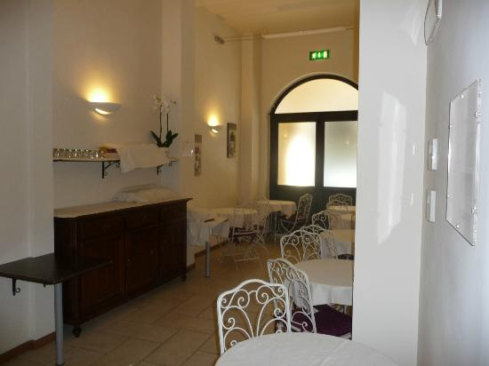Hotel Albergo Atlantic: Breakfast room is small (15 seats!)
