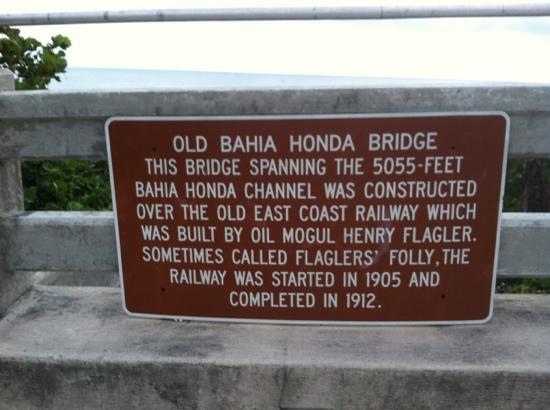 Bahia Honda State Park and Beach: Sign explaining details of bridge